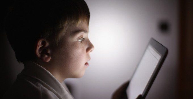 1421374615_ipad-and-kid-680x453